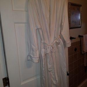 Gilligan O'Malley robe